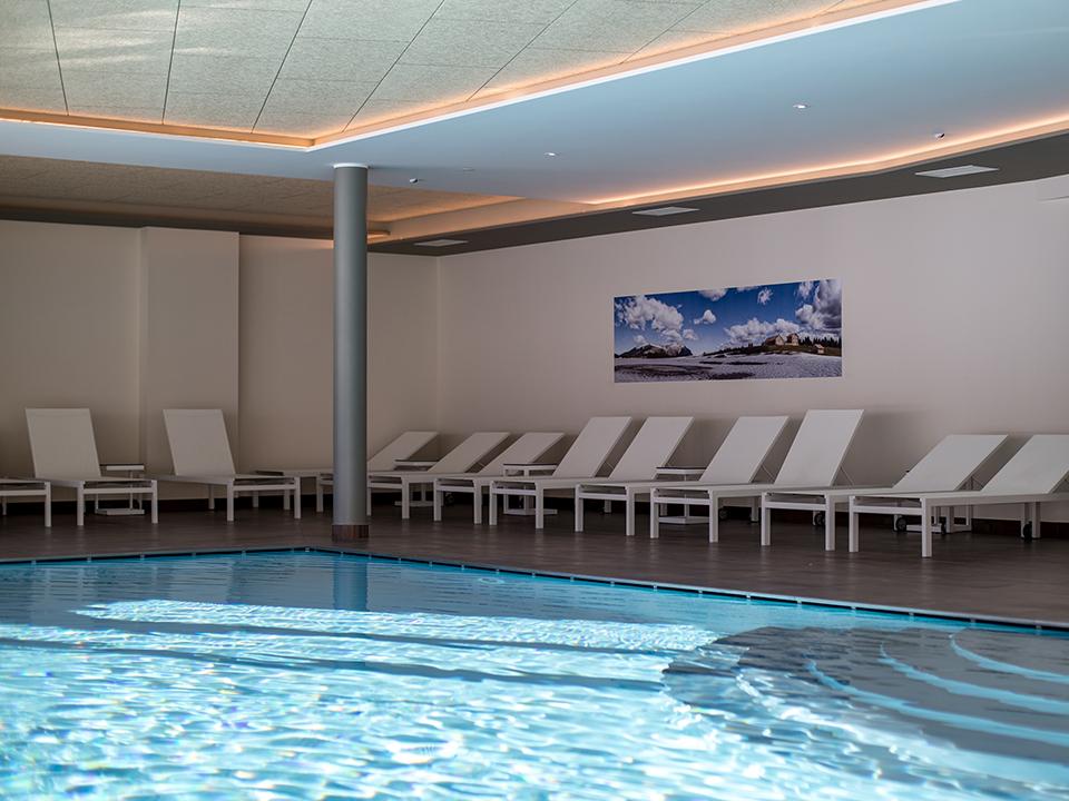 Hotel con piscina a folgaria hotel la baita for Hotel con piscina